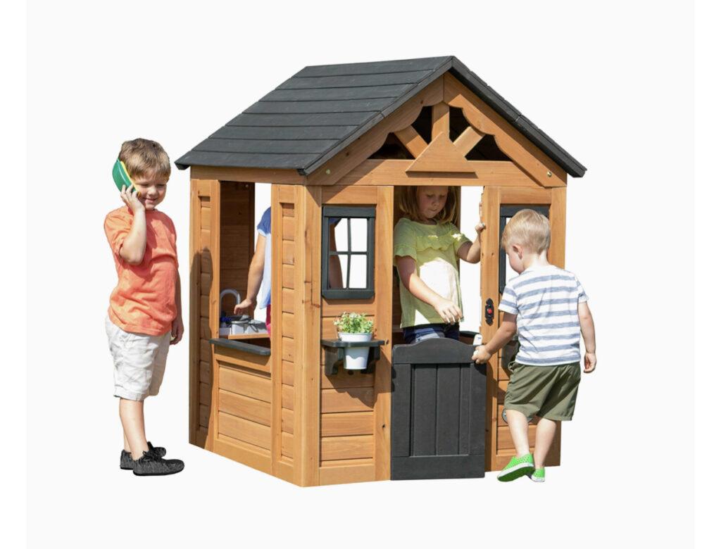 Backyard Discovery Sweetwater Cedar Playhouse